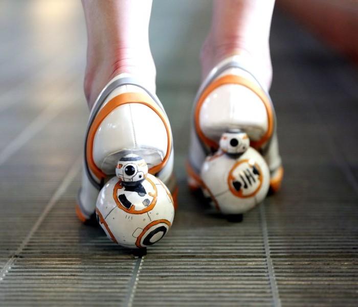Chaussures à talonsBB8: des accessoires dédiés aux férues de Star Wars