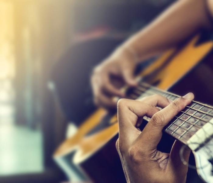 La marque « La Bella », la corde de guitare adaptée à toutes les envies