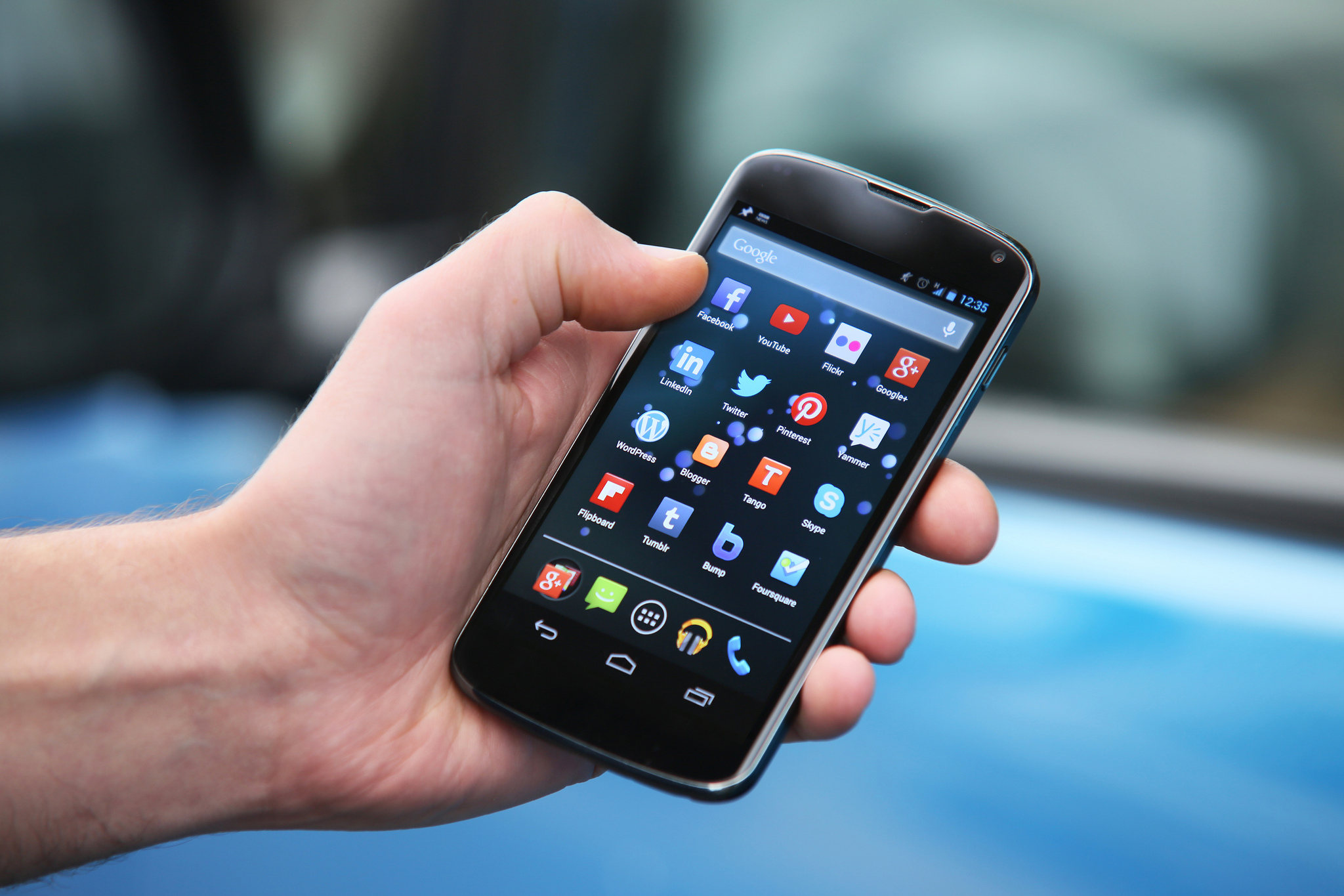 AUKEY-le-specialiste-des-accessoires-pour-smartphones.jpg