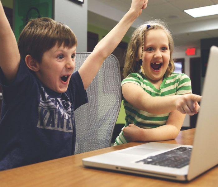 Une génération de jeunes accros au Web